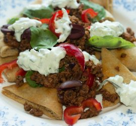 Græsk inspireret pitachips nachoes